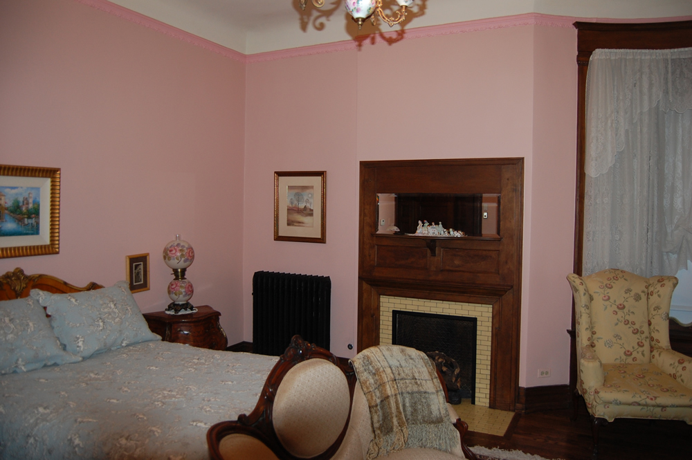 Bedroom of the Montgomery home in Kenwood, Chicago.