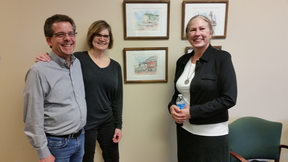 4, Wendy Petera with Grayslake Arts Alliance members. #283Z