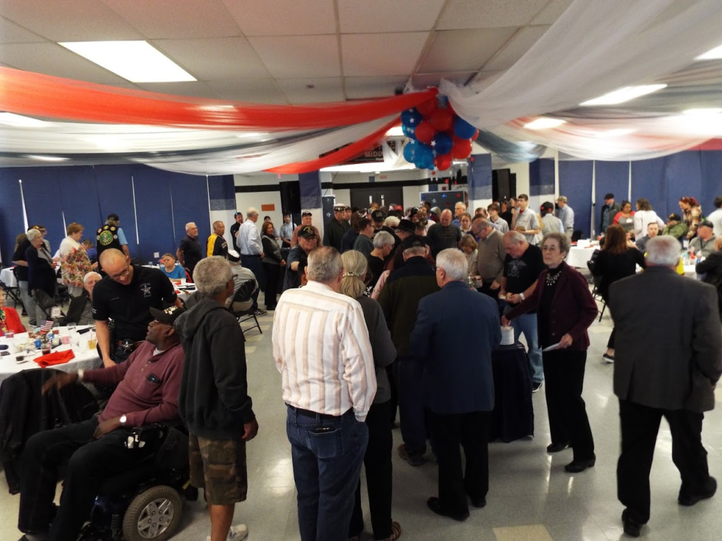 Line for dinner at Mundelein Police Veterans Dinner.