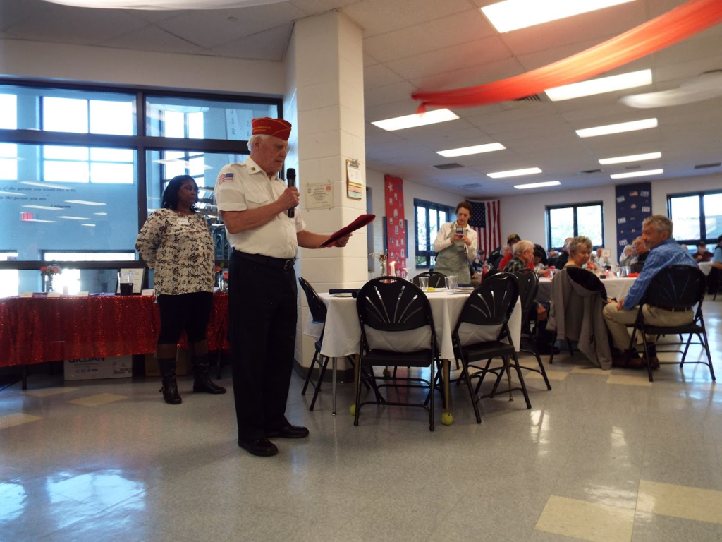 Speaker and Mundelein Police Veterans Dinner.